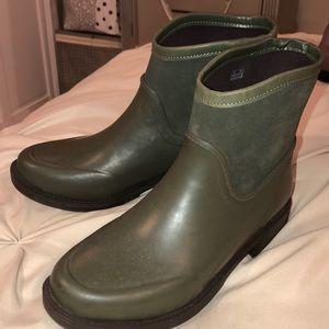 {Ugg Rain Boots}